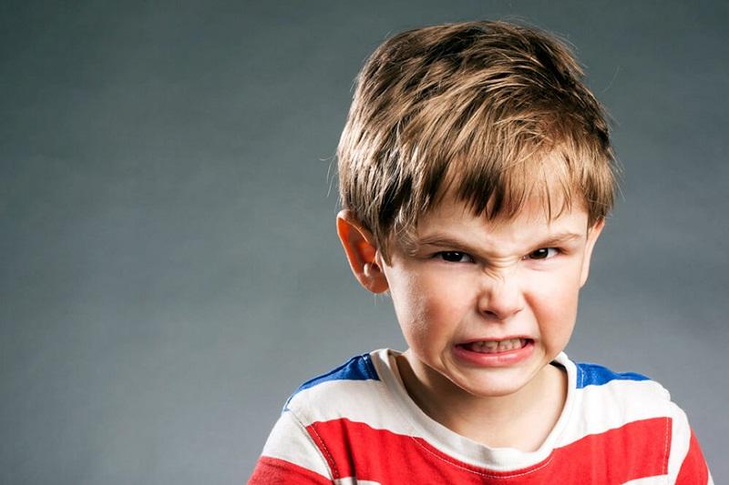 چرا کودک من دندان قروچه دارد؟