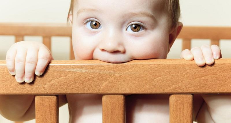 کاهش درد دندان درآوردن در نوزادان (روشهای مفید)
