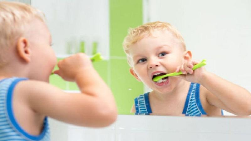 چگونه از دندان های شیری مراقبت کنیم؟