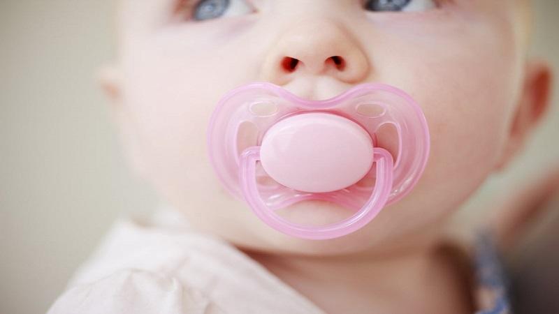 پستانک نوزادان