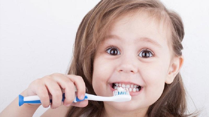 دندانپزشک کودکان اصفهان | چگونگی انتخاب مسواک مناسب