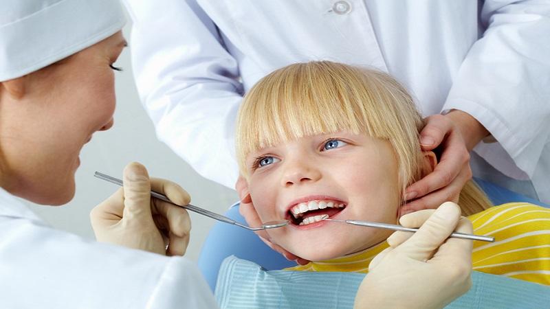 اماده کردن کودک برای عصب کشی دندان هایش   دندانپزشک کودکان اصفهان