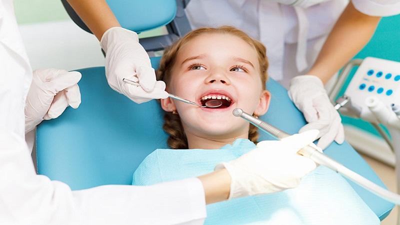 ایمپلنت دندان در کودکان زیر 15 سال و در حال رشد توصیه می شود؟ | دندانپزشک کودکان اصفهان