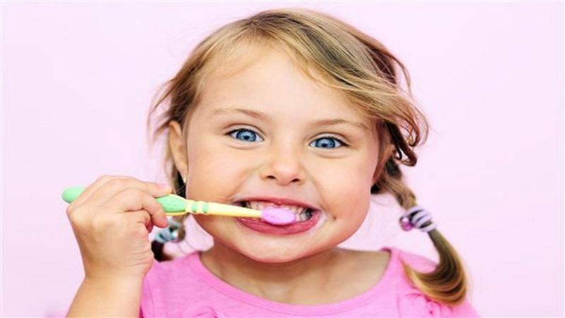 آموزش بهداشت دهان به کودکان | دندانپزشک کودکان اصفهان